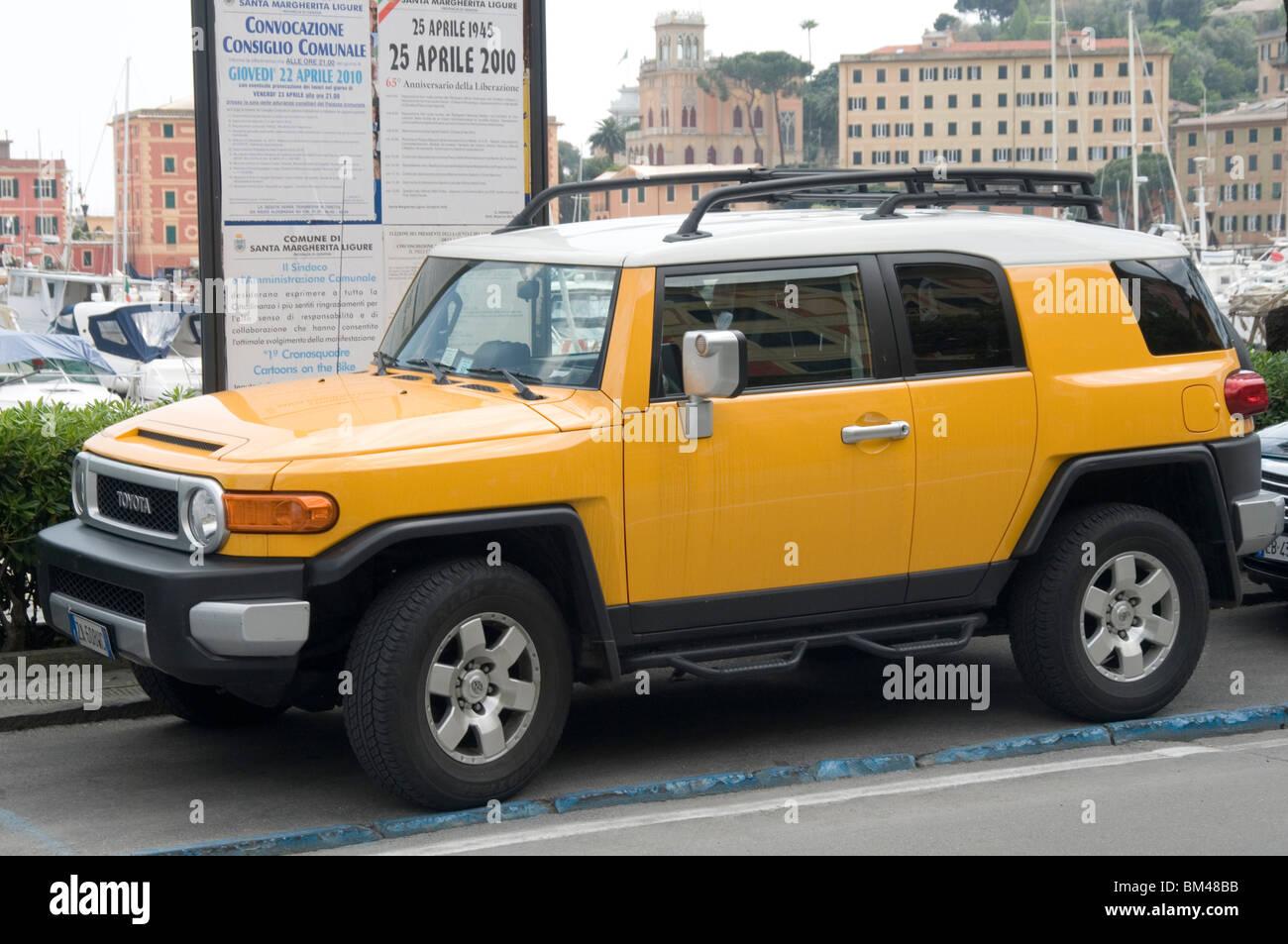 fa5a4b8582 Toyota Land Cruiser offroader carretera vehículo utilitario deportivo suv 4  cuatro por 4X4 robusto estilo retro estilo de peinado chunky dura r