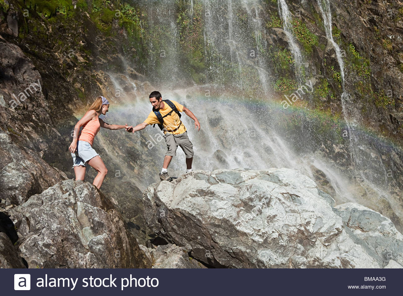 Waterfall im genes de stock waterfall fotos de stock alamy for Cascada par