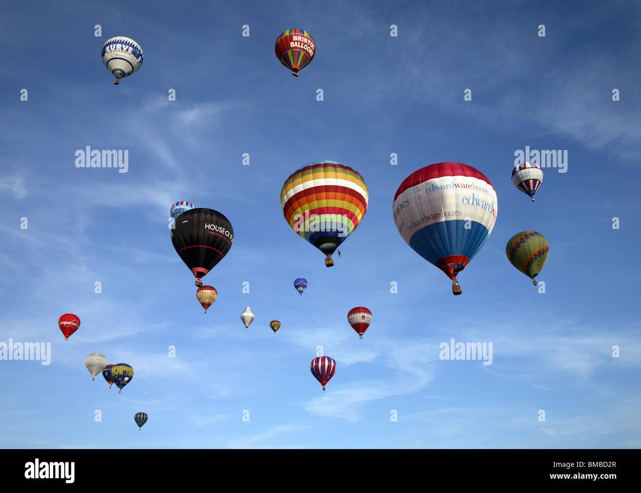 Lanzamiento masivo en Bristol Balloon Fiesta 2009 Imagen De Stock