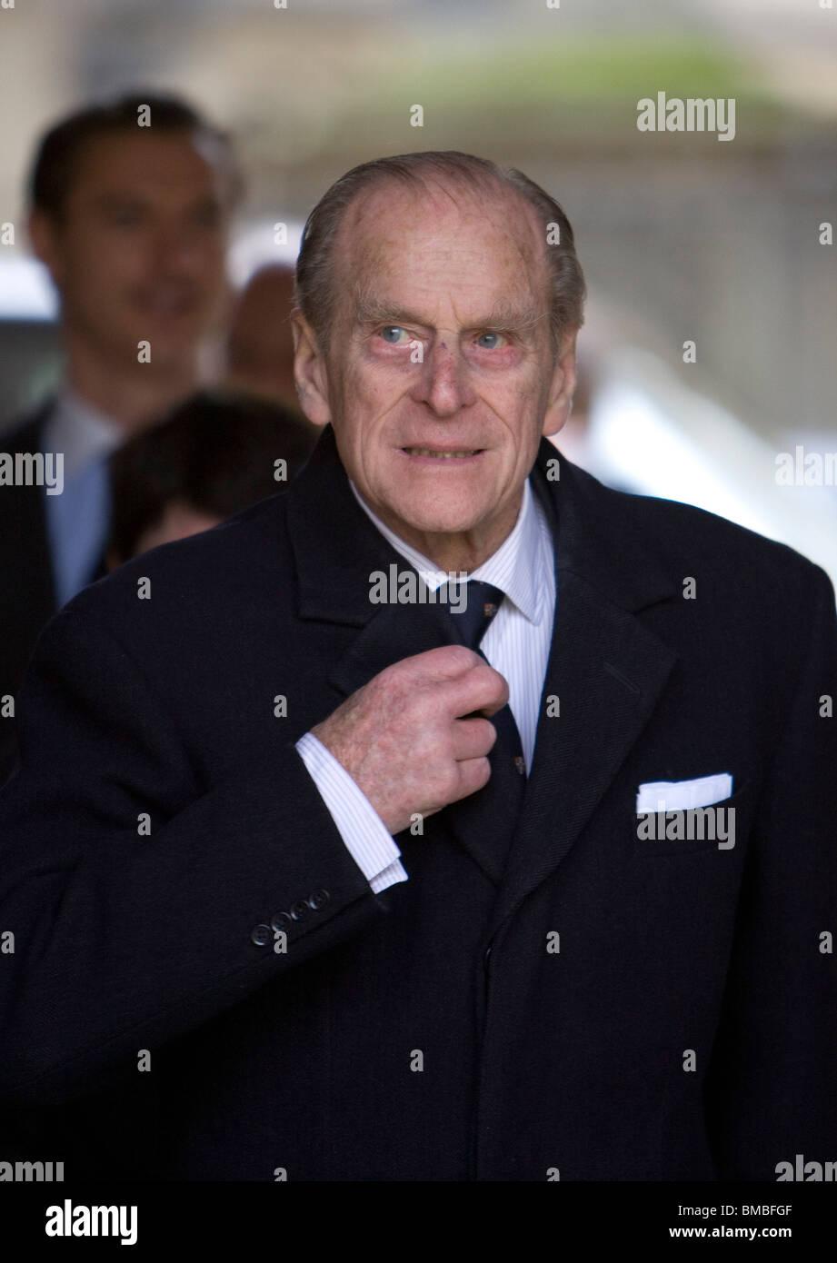 Bretaña es el príncipe Felipe, Duque de Edimburgo, en una visita a Cambridge Foto de stock