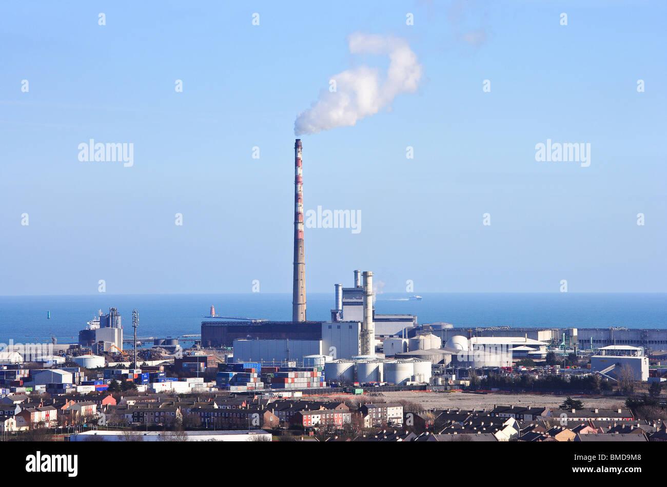 Poolbeg power station Dublín Irlanda Foto de stock