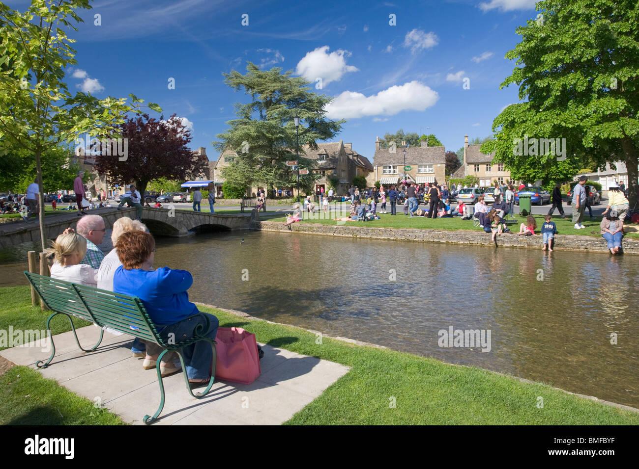 Bourton-on-the-agua village, Cotswolds, Gloucestershire Imagen De Stock