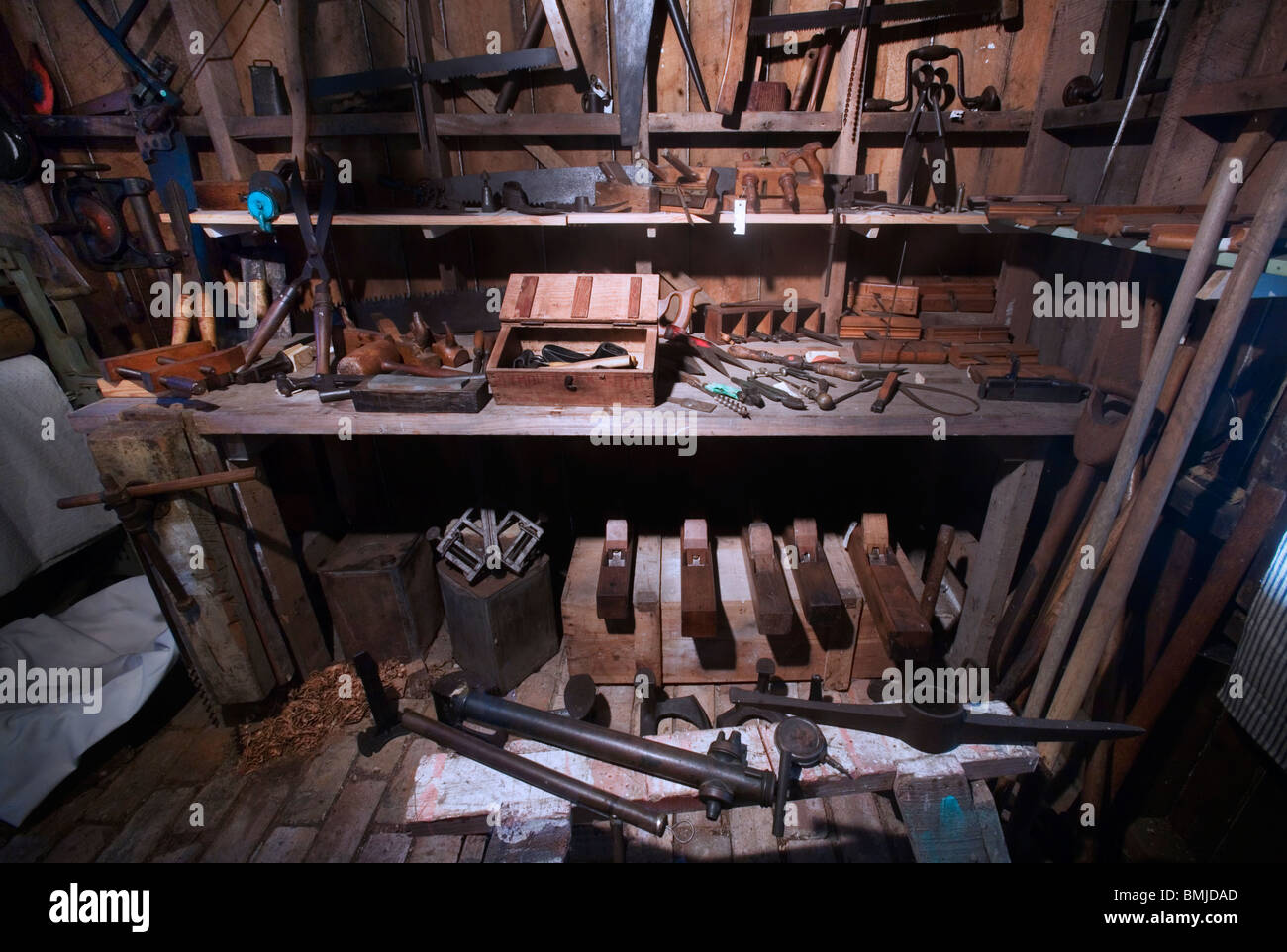 Herramientas De Carpinteria Imágenes De Stock   Herramientas De ... 8de04b6022d9