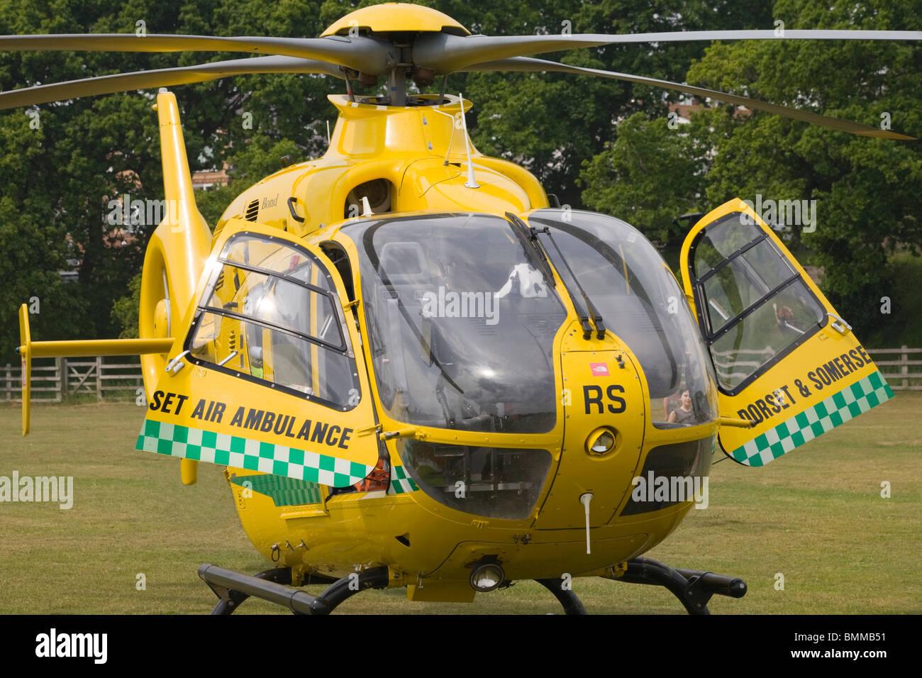 Dorset y Somerset de Ambulancia Aérea (helicópteros Eurocopter EC 135 T2+) Imagen De Stock