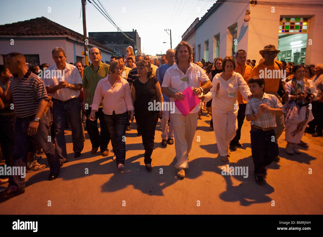 Desfile inaugural del Festival del Cine Pobre, Gibara, Cuba Imagen De Stock