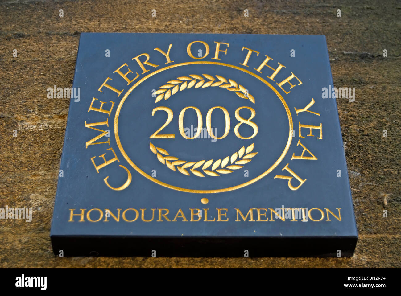 Cementerio del año 2008 Accésit placa en East sheen cementerio, East Sheen, Surrey, Inglaterra Imagen De Stock