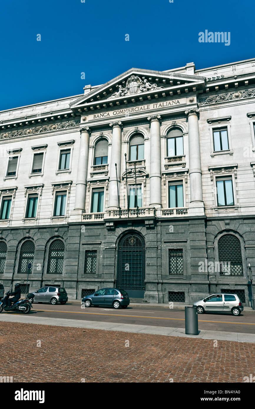 La Banca Commerciale Italiana, Edificio Banco, en la plaza Piazza della Scala de Milán, Luca beltrami arquitecto Imagen De Stock