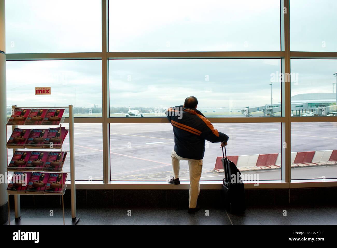 Aeropuerto de Praga. Republica Checa. Del aeropuerto de Praga. República Checa. Foto de stock