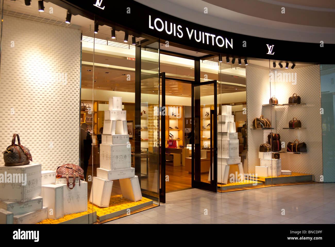 Almacén de Louis Vuitton, King of Prussia Mall, cerca de Philadelphia, PA, USA Foto de stock