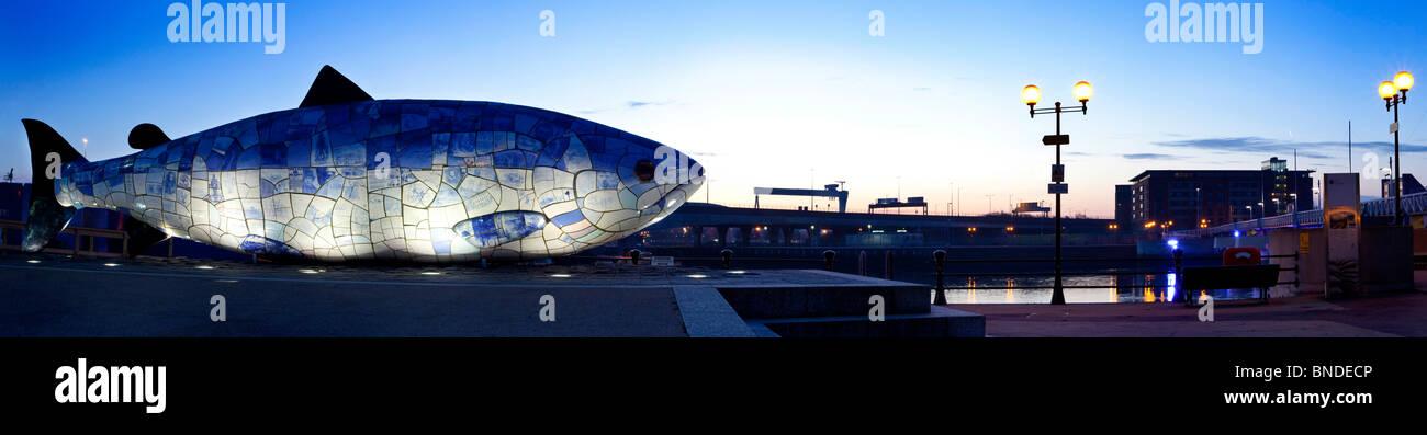 Big Fish Donegall Quay Belfast, Irlanda del Norte Foto de stock