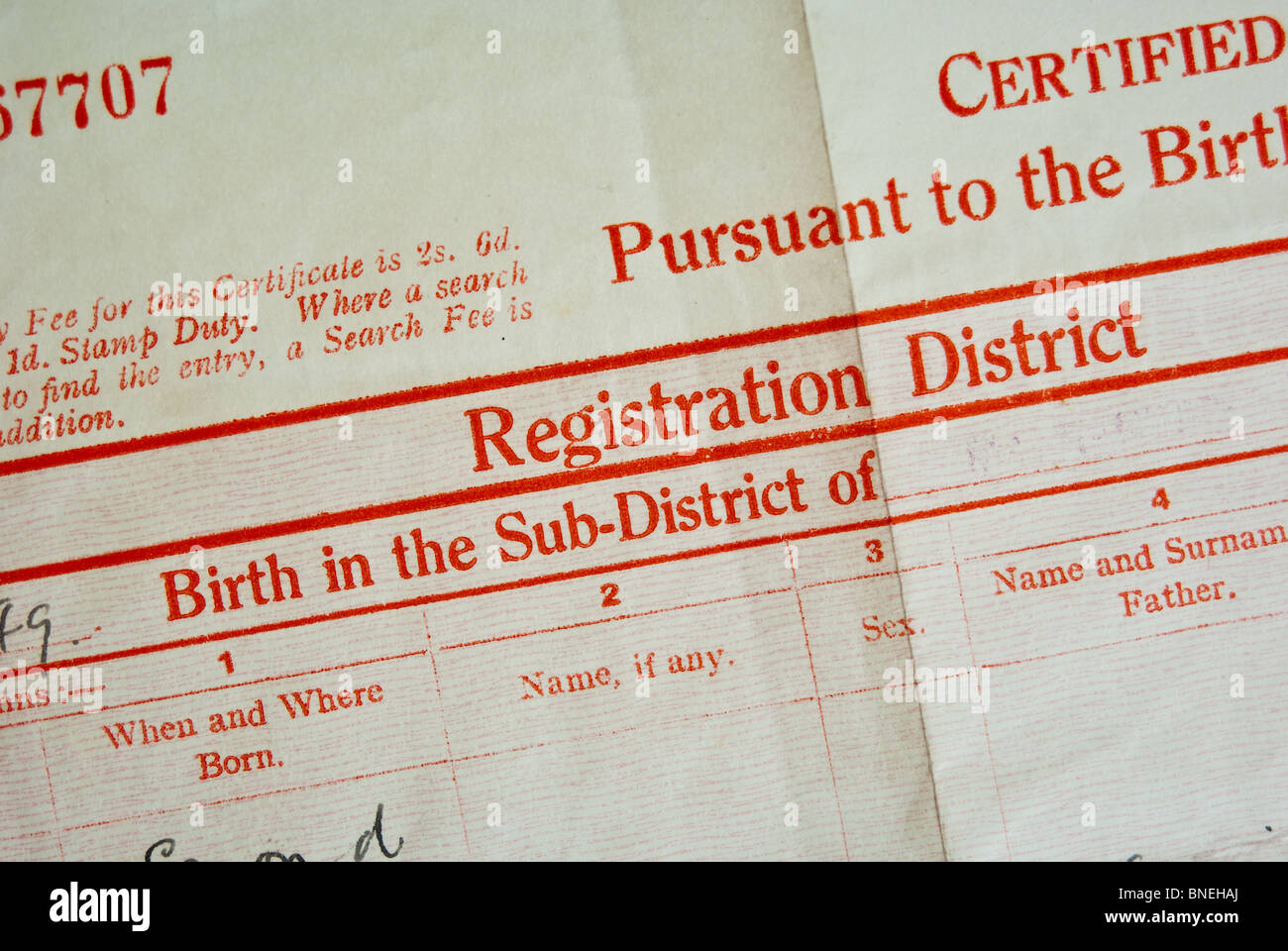 Certificado de nacimiento en el REINO UNIDO Foto & Imagen De Stock ...