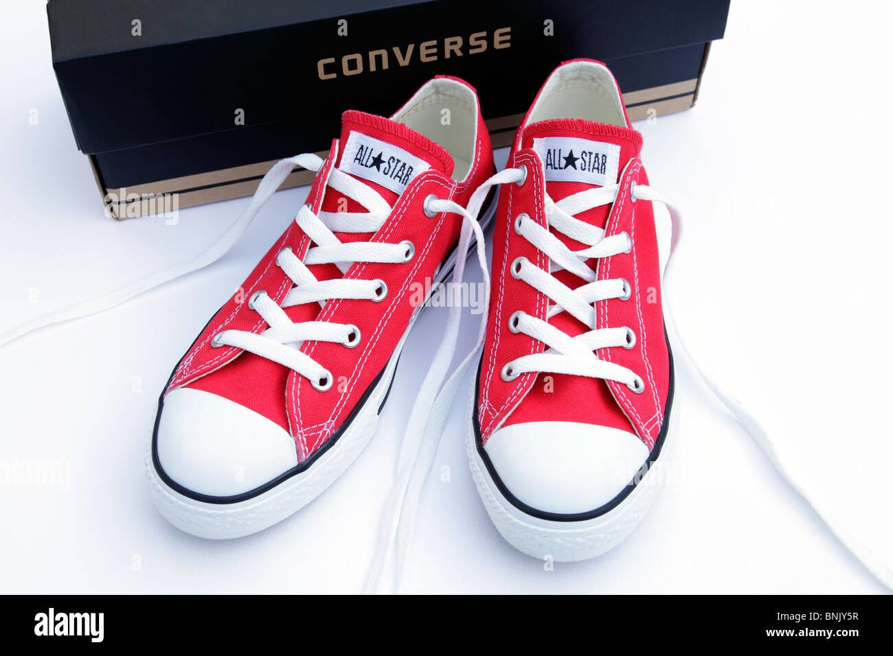 384144d1b29 Red Converse All Star Imágenes De Stock   Red Converse All Star ...