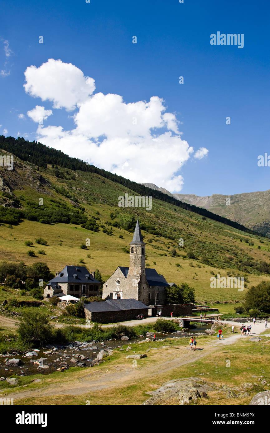 España Cataluña Aran Montgarri church hill holidays travel, Imagen De Stock