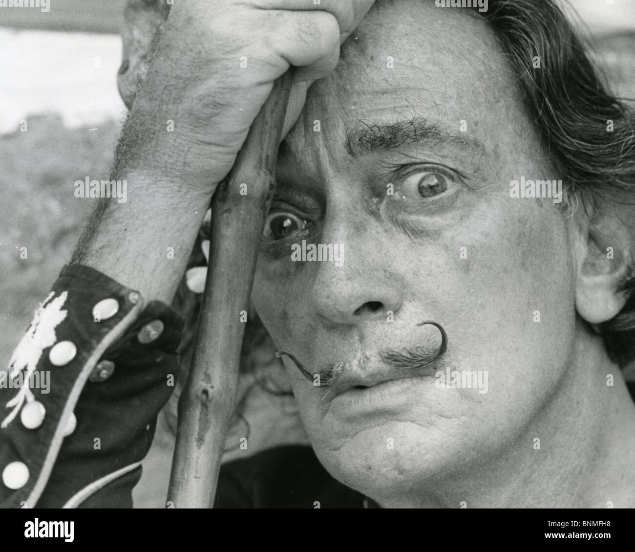 SALVADOR DALÍ (1984-1989), artista español Foto de stock