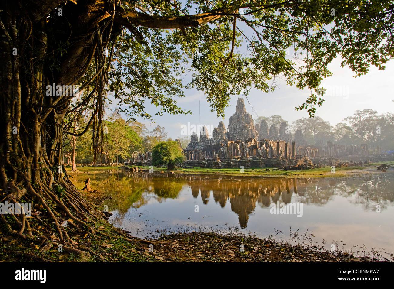 Camboya Asia Oriental Budismo templo Angkor Thom religión sitio cultural La cultura figuras de piedra cifras patrimonio Foto de stock