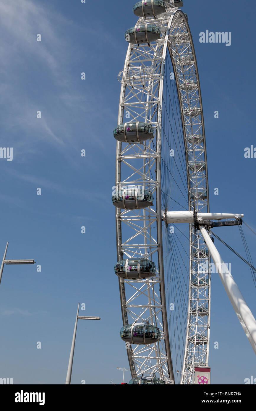 Atracción turística y la plataforma de observación, el Ojo de Londres, Londres, Inglaterra Foto de stock