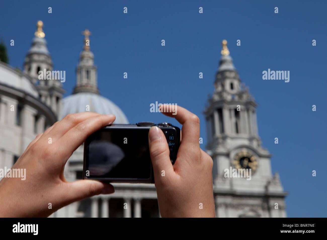 Compone la imagen turística de la Catedral de San Pablo, Londres, Inglaterra Foto de stock
