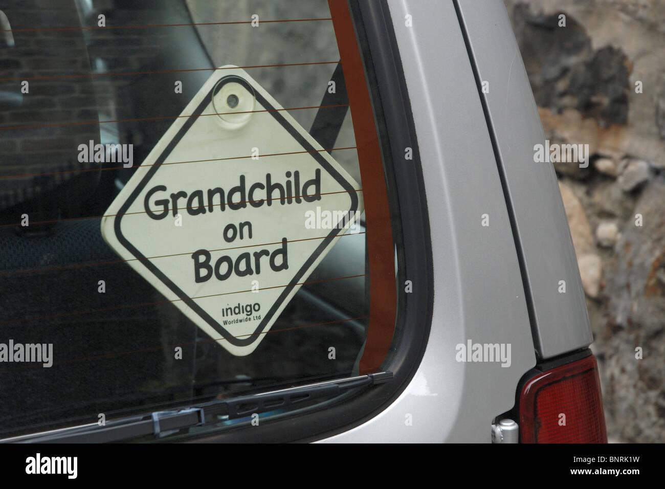 'A BORDO' Nieto adhesivo en ventanilla. Imagen De Stock