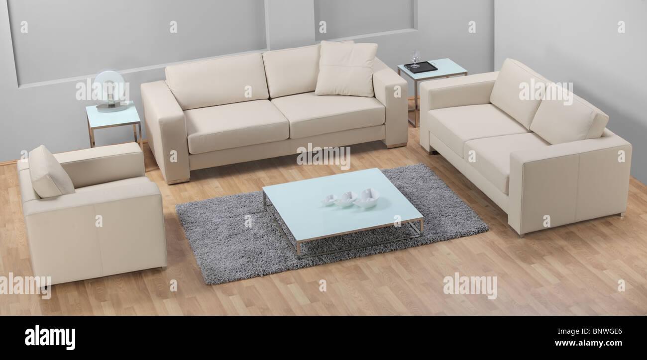 A la vista de los modernos sofás blancos de cuero Imagen De Stock
