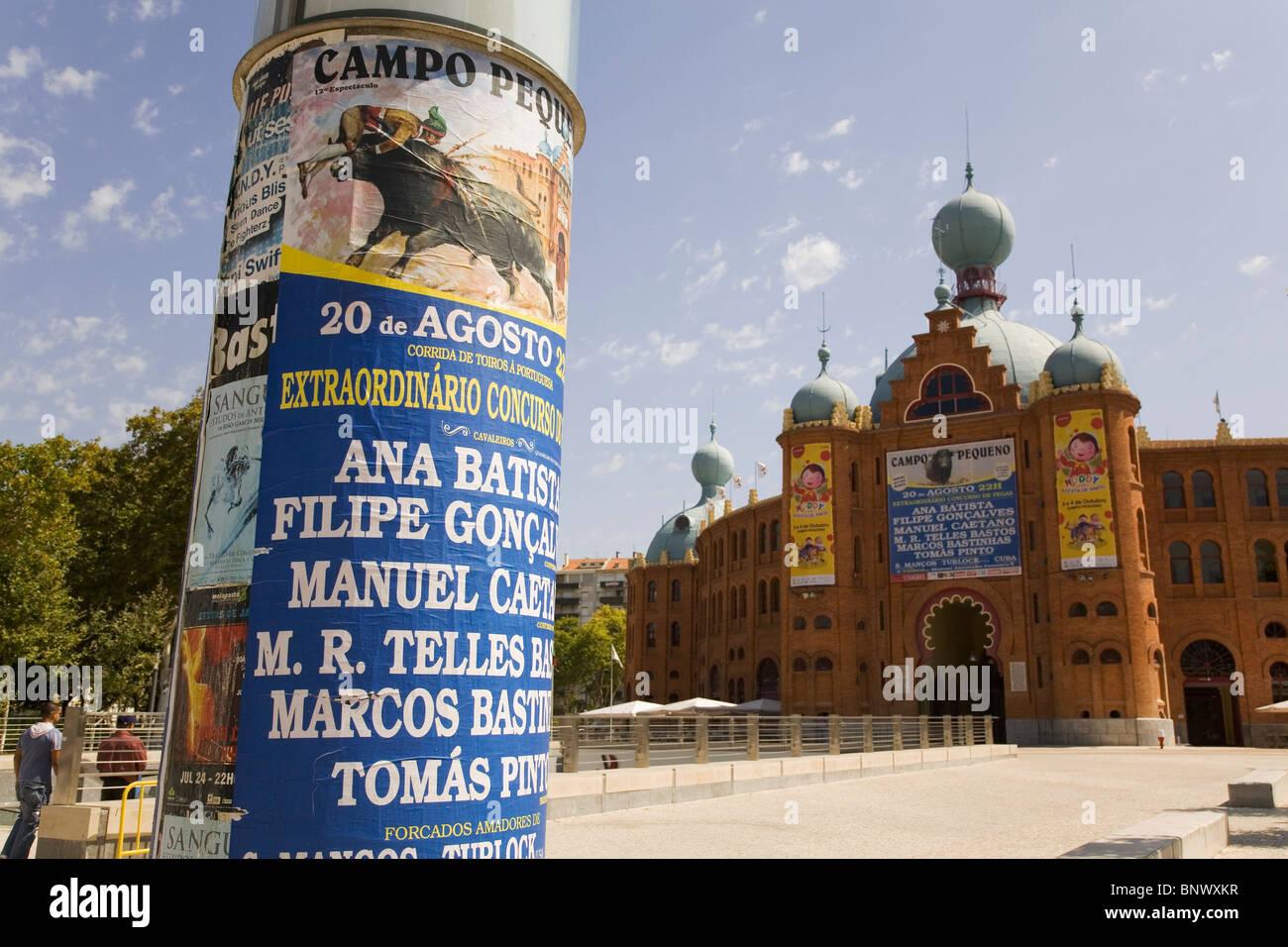 Un cartel anuncia estilo portugués fuera de las corridas de toros de Campo  Pequeno 516f576753b