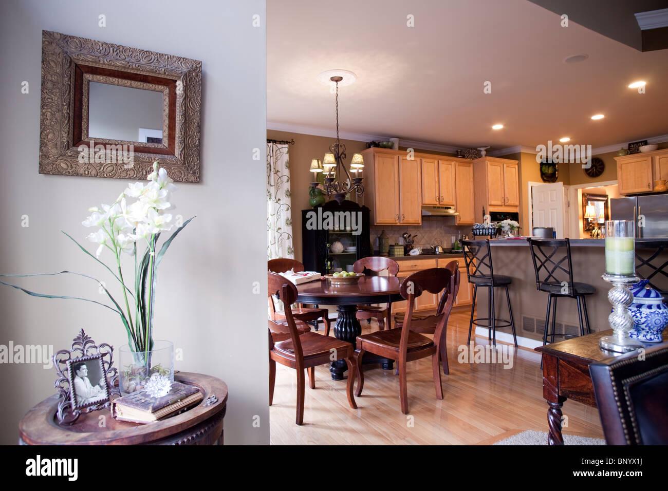 Cocina americana con comedor anexo y el espacio abierto for Cocina salon espacio abierto