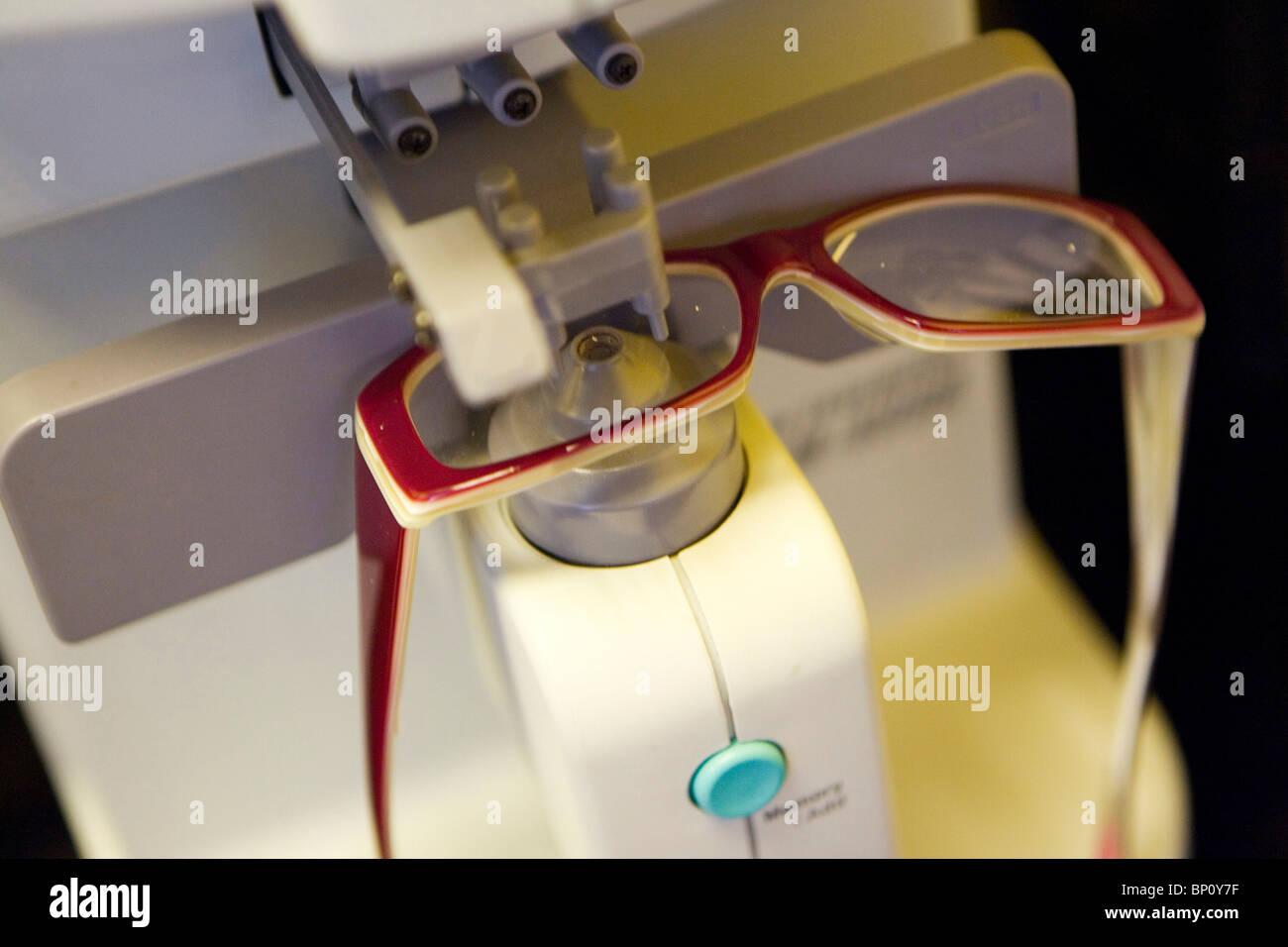Fabricación de gafas Imagen De Stock
