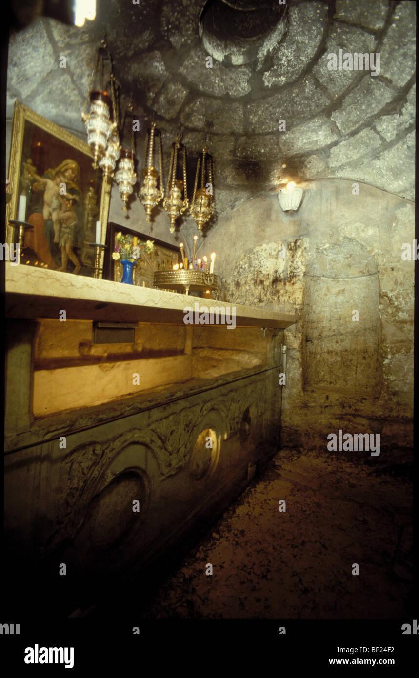 540. La tumba de san. MARY - EN EL INTERIOR DE LA IGLESIA DE JERUSALÉN CRUZADO Imagen De Stock