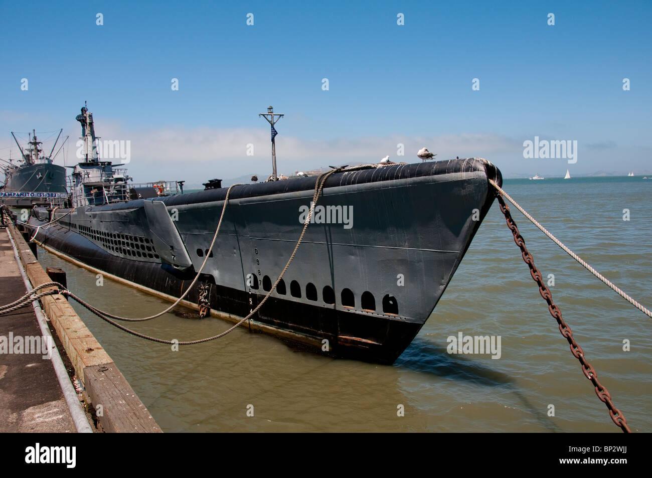 San Francisco: WWII submarino Pampanito en Fisherman's Wharf. Foto copyright Lee Foster. Foto # casanf104169 Imagen De Stock