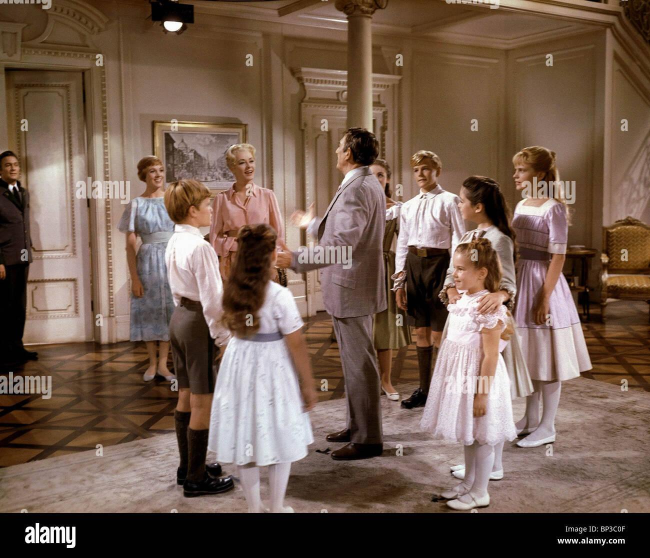 CHRISTOPHER PLUMMER Julie Andrews y emitir el sonido de la música (1965) Imagen De Stock