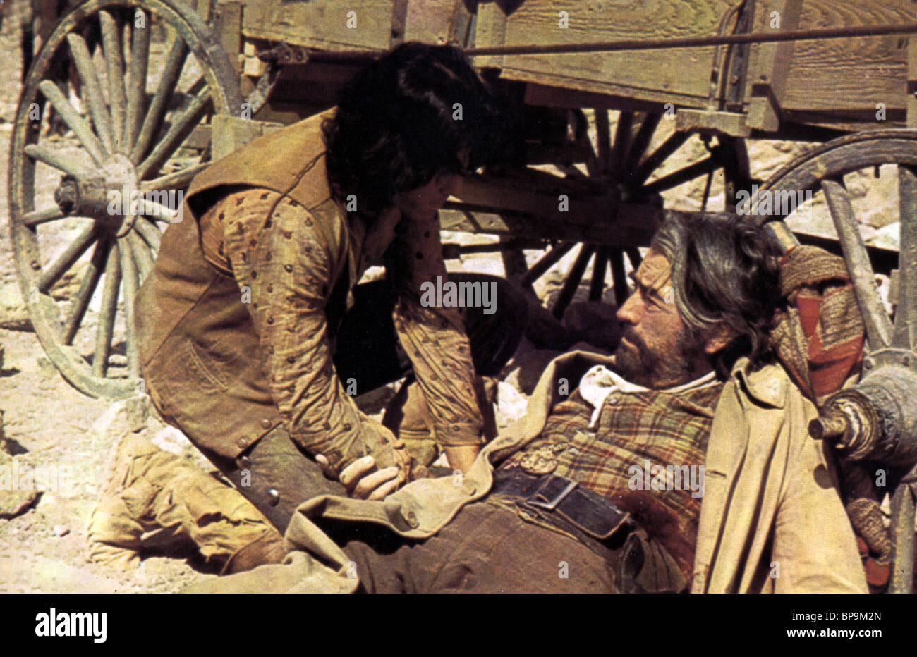DESI ARNAZ Jr.   Gregory Peck Billy dos sombreros (1974) Imagen De Stock 092be34a161