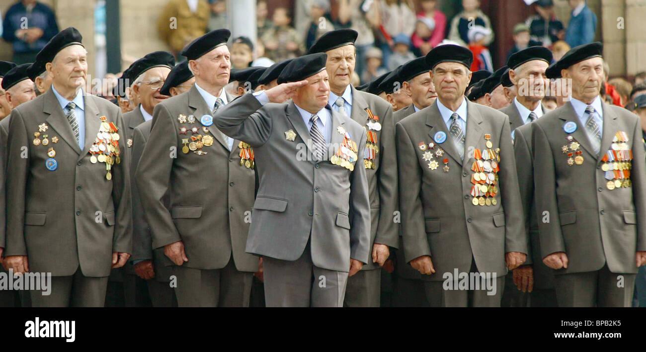 Las festividades del Día de la victoria en regiones rusas Foto de stock
