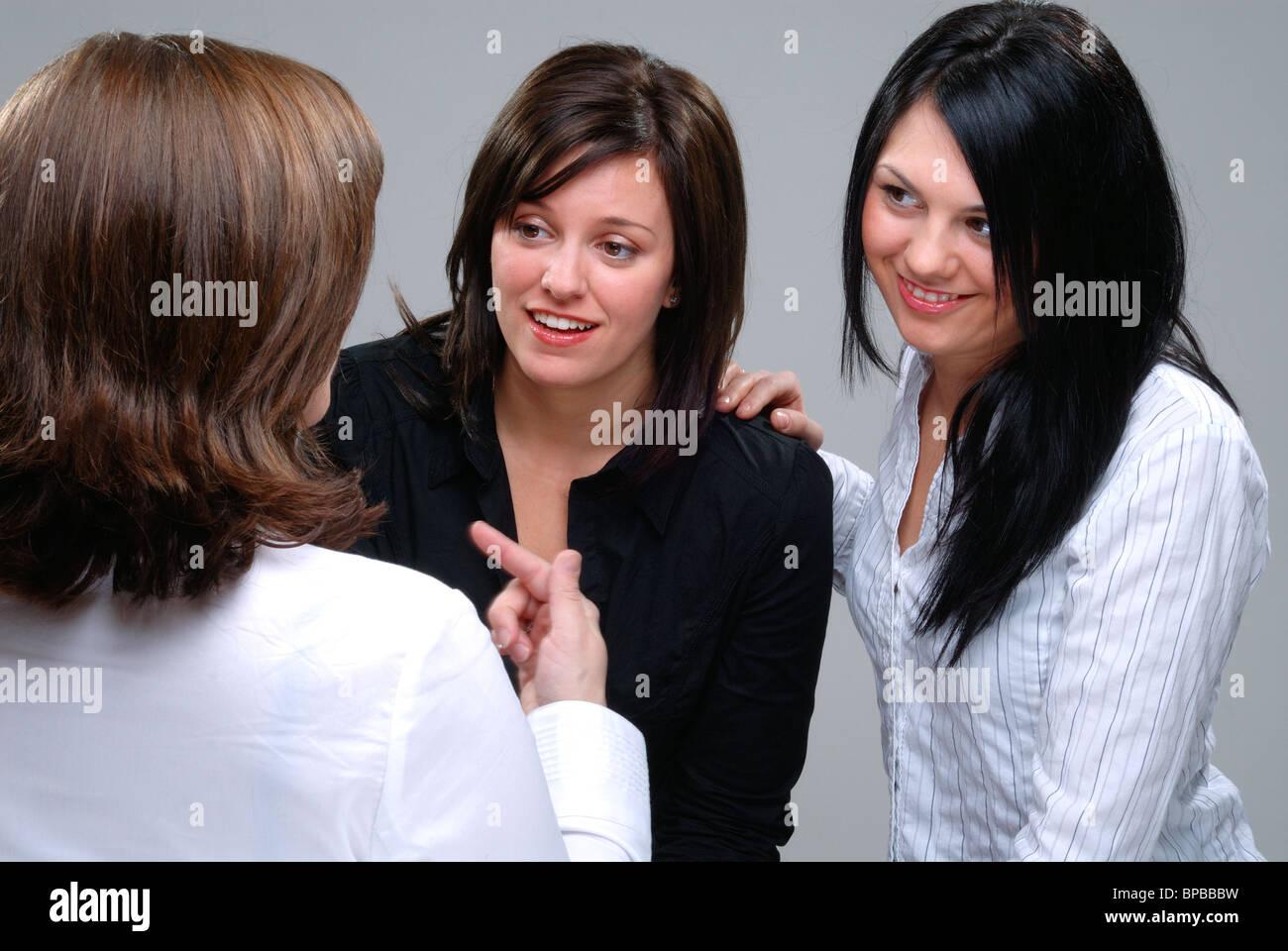 Mujeres Bbw tres mujeres amigos para pasar un buen rato conversando y