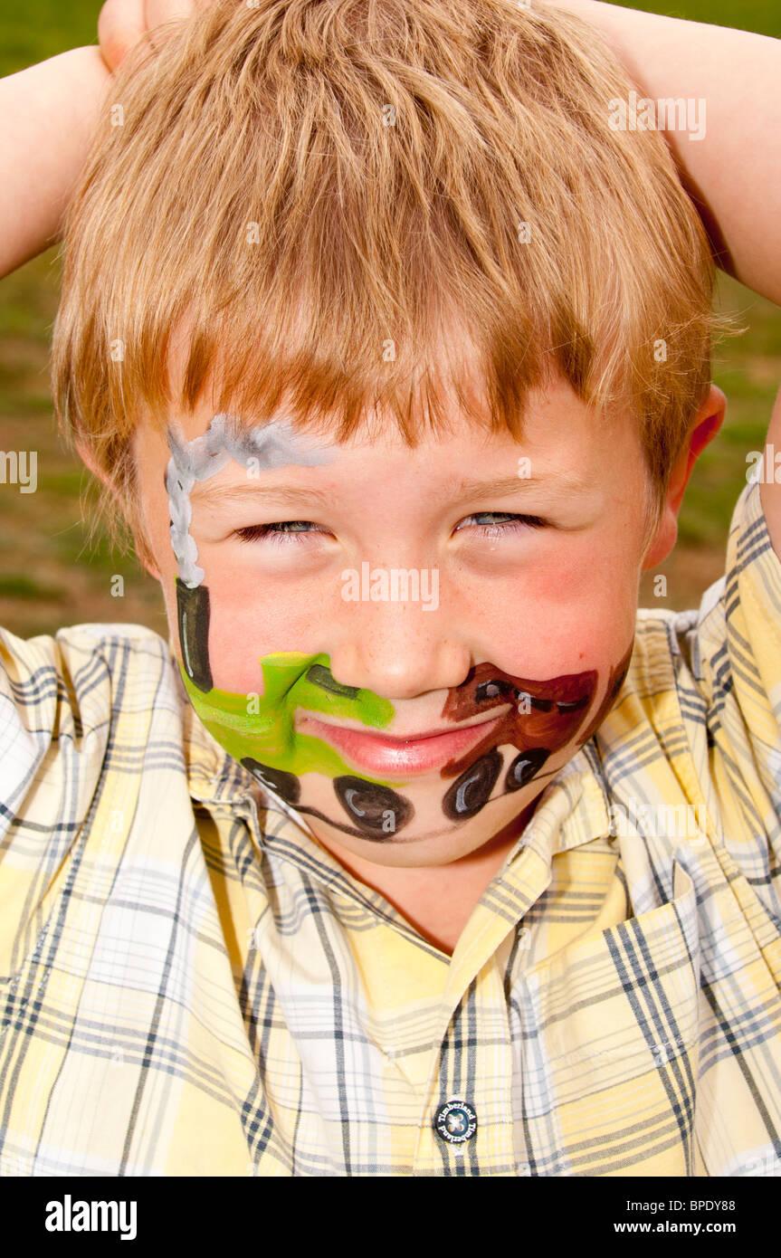 Un Modelo Liberado Imagen De Un Niño De 6 Años Con La Cara