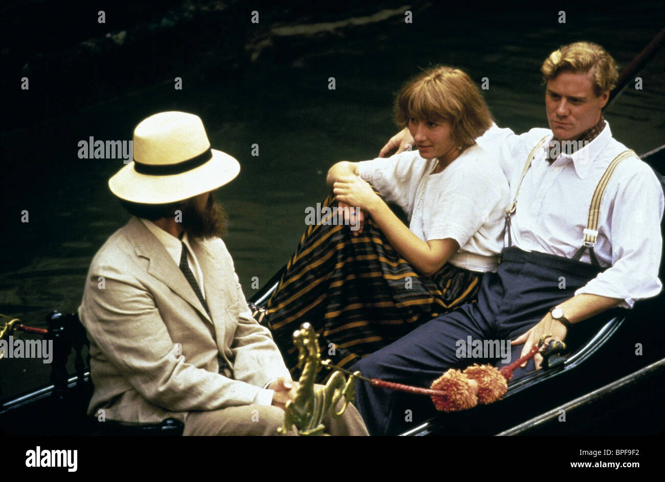 JONATHAN PRYCE, Emma Thompson, Steven Waddington, Carrington, 1995 Foto de stock