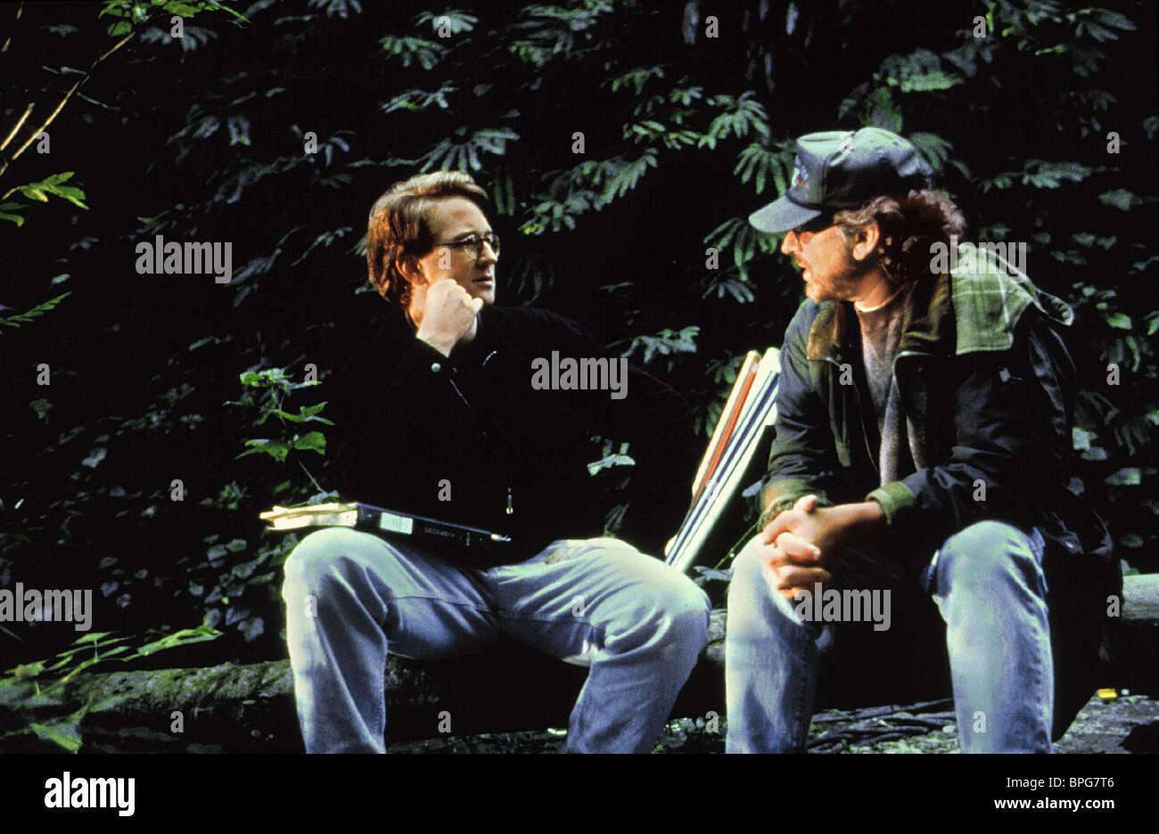 MICHAEL CRICHTON y Steven Spielberg El Mundo Perdido: Parque Jurásico 2 (1997) Imagen De Stock