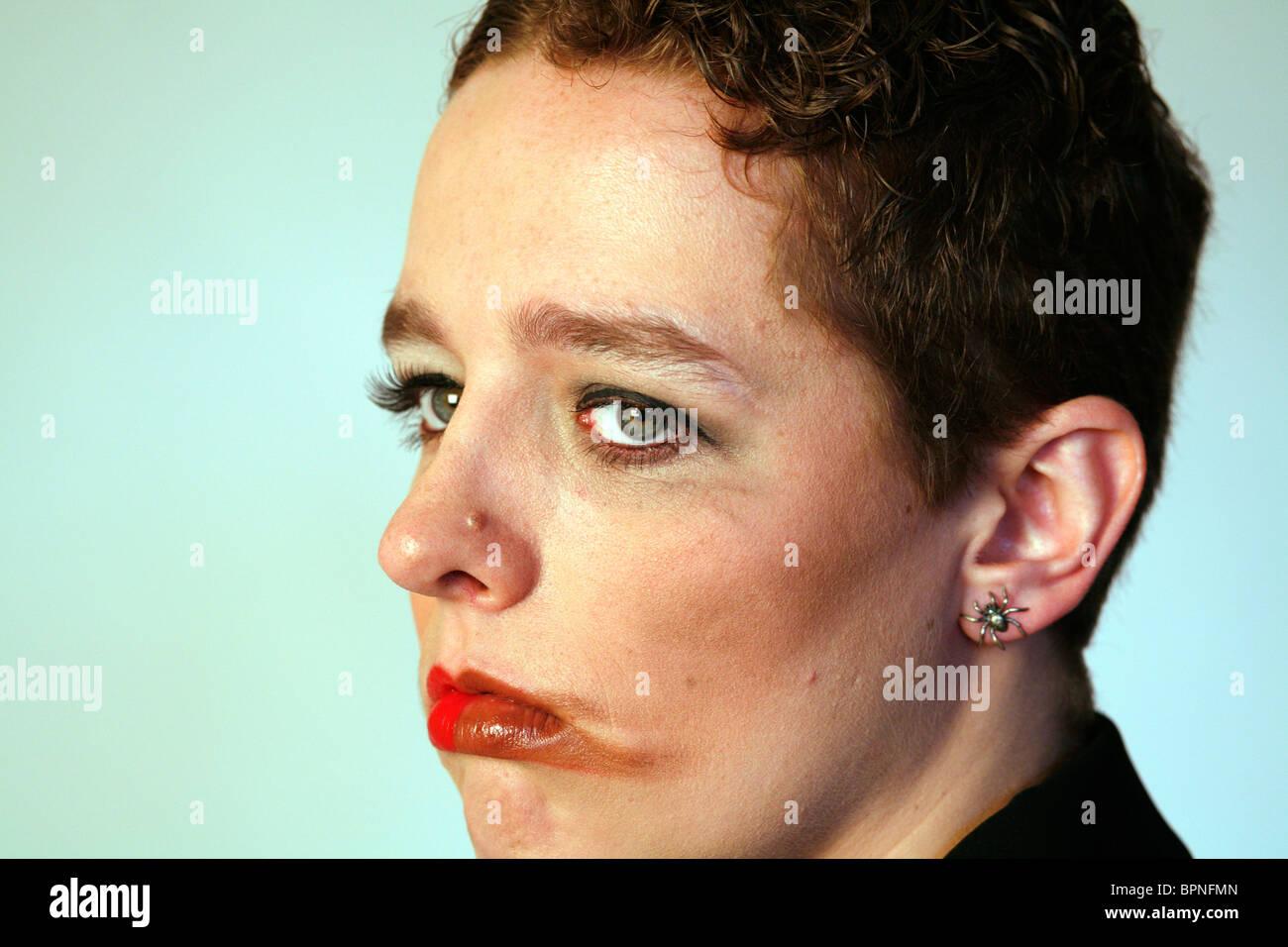 Cara con maquillaje manchado Imagen De Stock