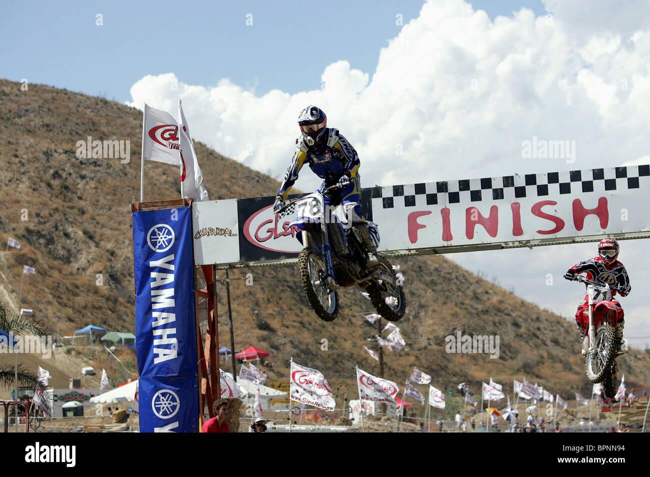 Escena de carreras de motos SUPERCROSS (2005) Foto de stock