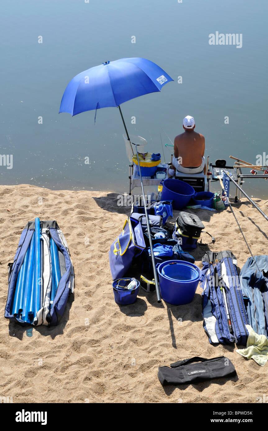 Pescador, 12 Campeonatos Europeos en agua dulce, la pesca deportiva, el río Sorraia, Coruche, Portugal, septiembre Imagen De Stock