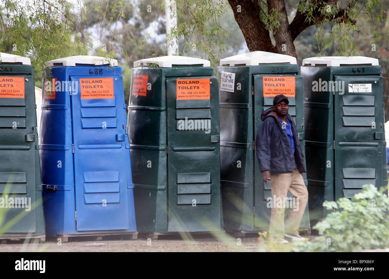 Sudáfrica: Los refugiados de Zimbabwe siguen alojados en tiendas de campaña en el campamento de refugiados Imagen De Stock