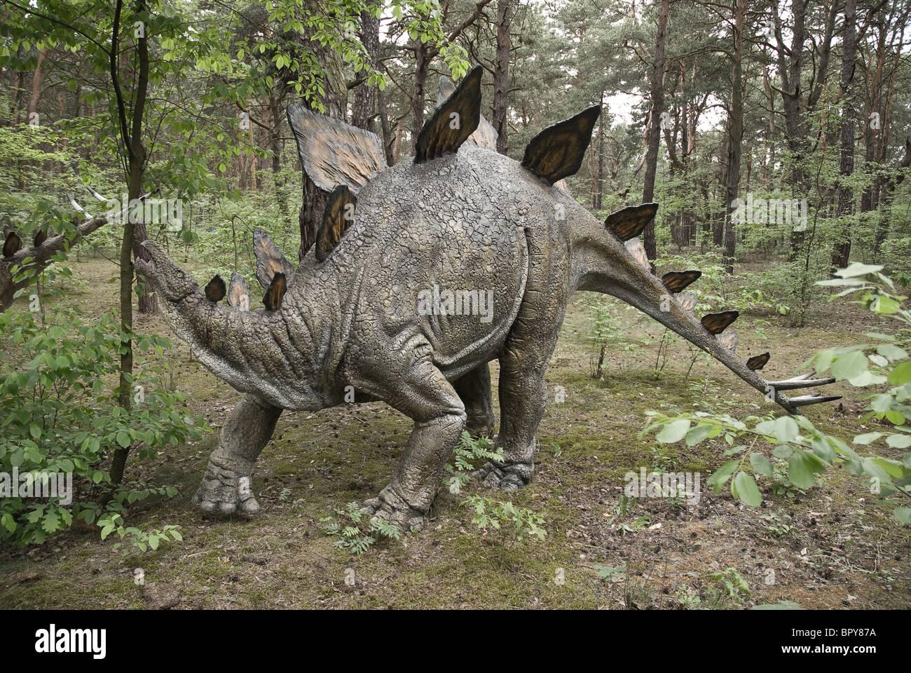 - Dinosaurio Estegosaurio Foto de stock