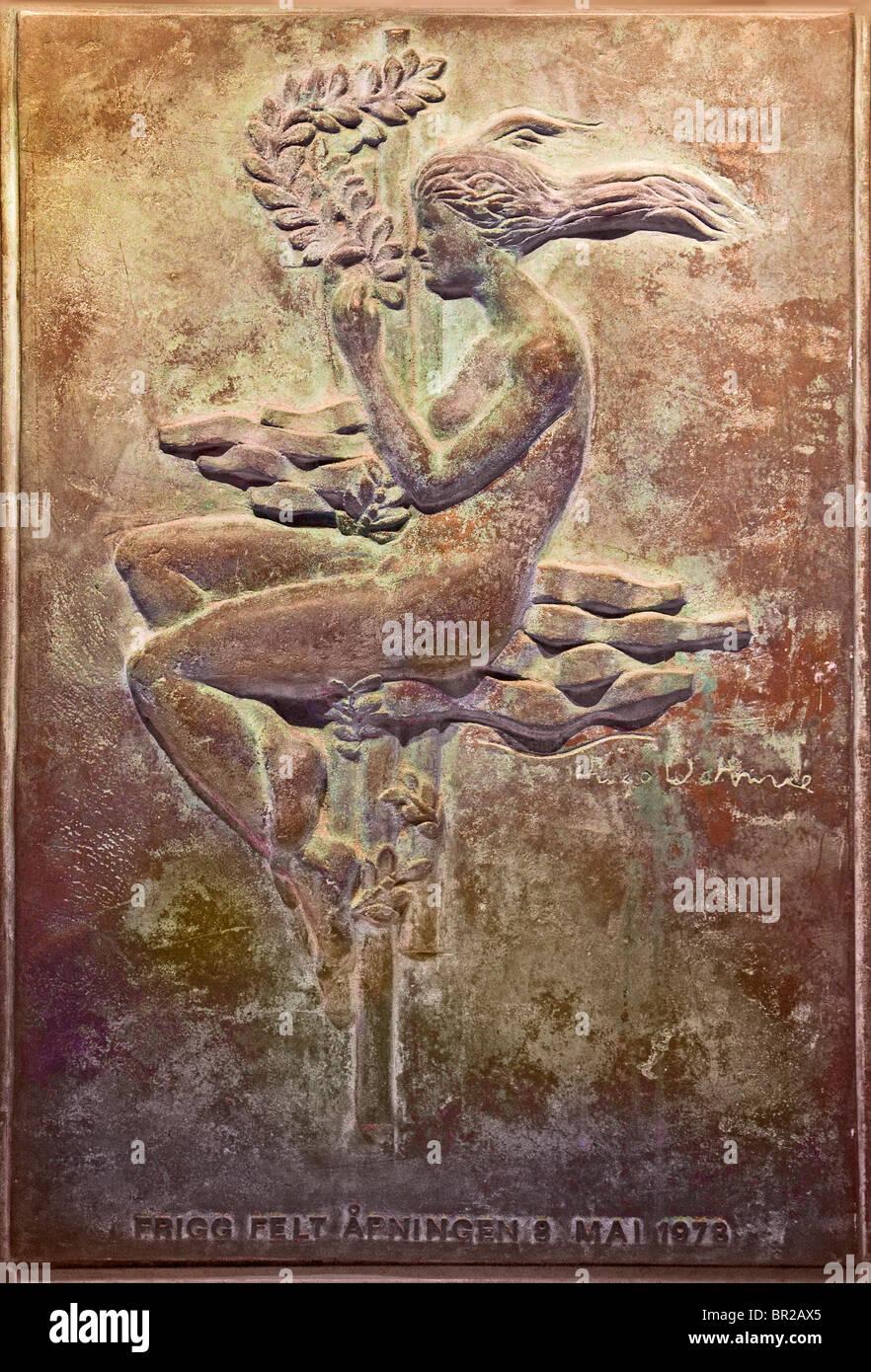 la escultura del artista hugo frank watne de la mitología nórdica