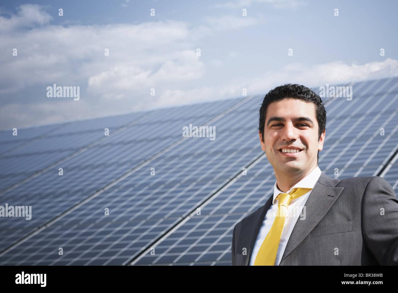 Empresario de estación de energía solar Imagen De Stock