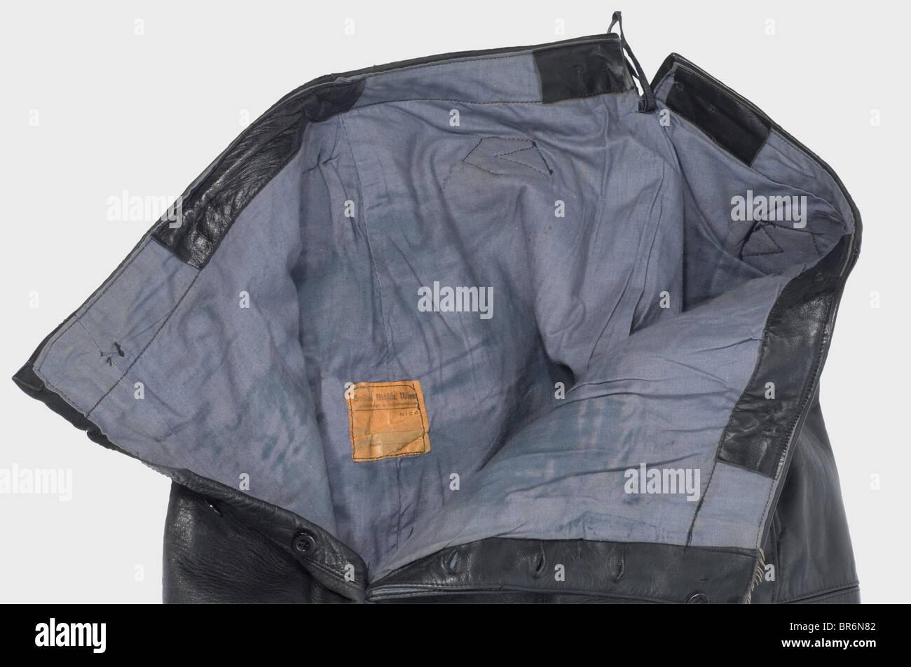 Una especial uniforme de cuero negro para tropas Panzer. 80e85c816f3