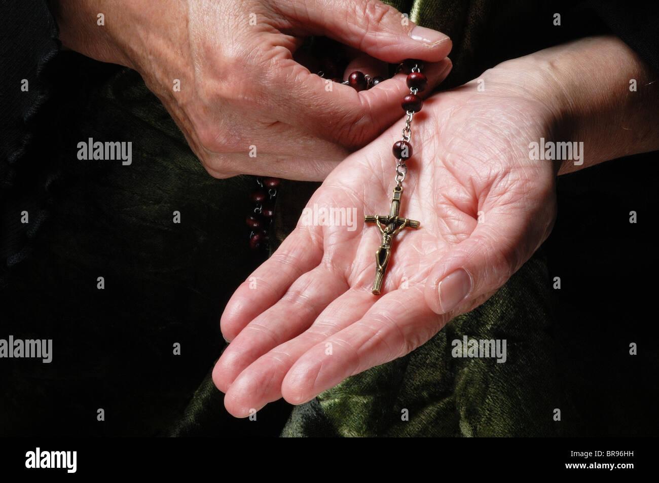 Crucifijo - John Gollop Foto de stock
