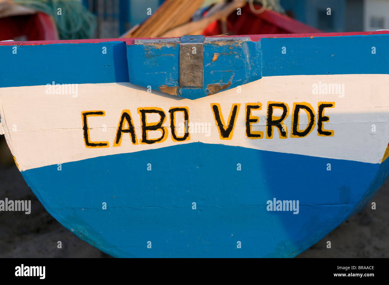 Barco de pesca con Cabo Verde nombre, Tarrafal, Santiago, Islas de Cabo Verde, África Imagen De Stock