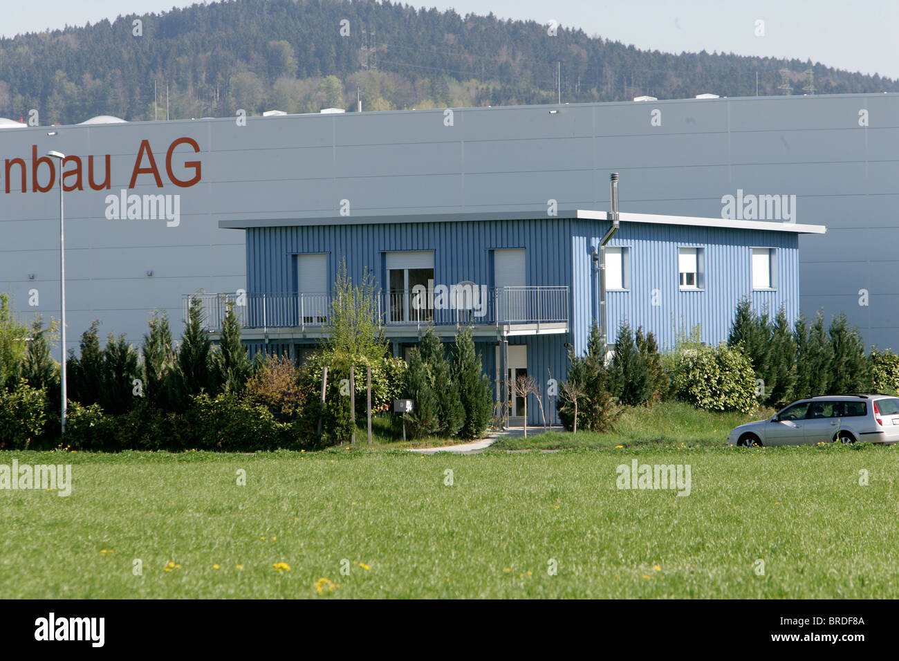 La sede de dignitas en la localidad de pfaffikon suiza for Innendekoration pfaffikon zh