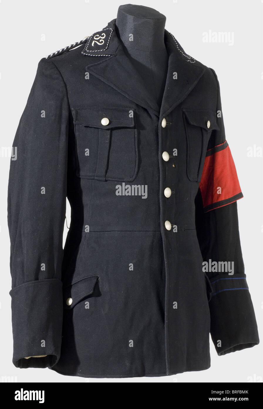 """Una túnica de servicio para los hombres alistados, de la 32ª SS-Standarte (Regimiento) de pie """"Baden"""", Imagen De Stock"""