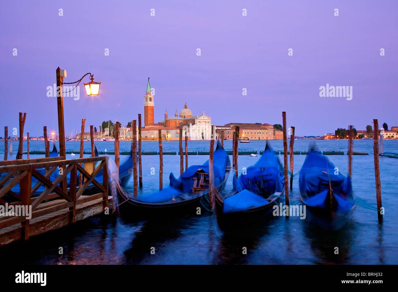 Europa, Italia, Venecia, Venecia, catalogada como Patrimonio de la Humanidad por la UNESCO, vista a la isla de San Imagen De Stock