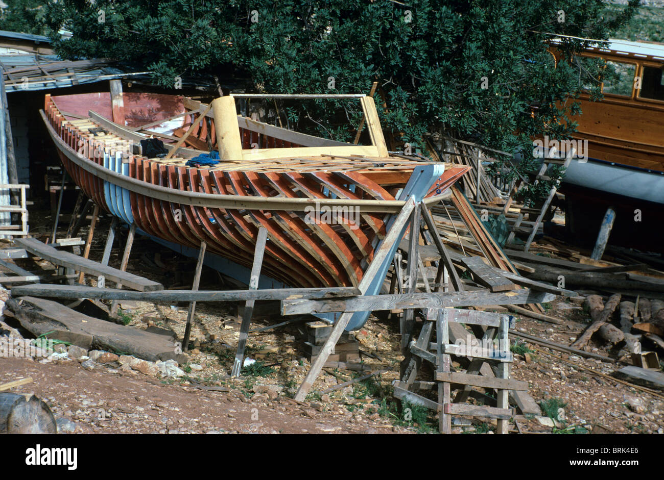 El esqueleto o marco de madera o barco Gullet en construcción en un ...
