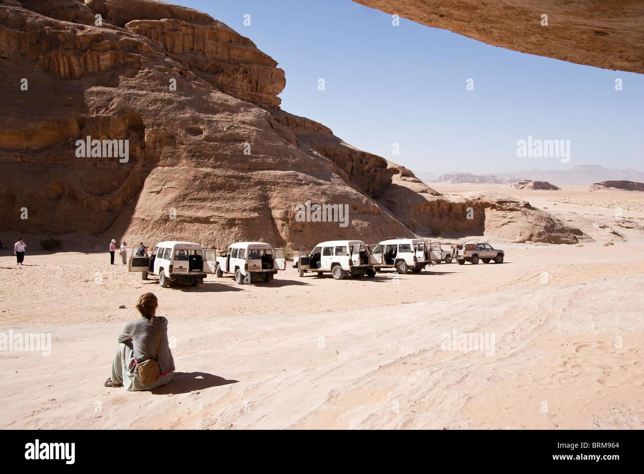 Wadi Rum Jordania. Foto de stock